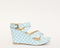 Kanabis blue polka dot wedges