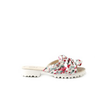 Summer sliders white floral bow