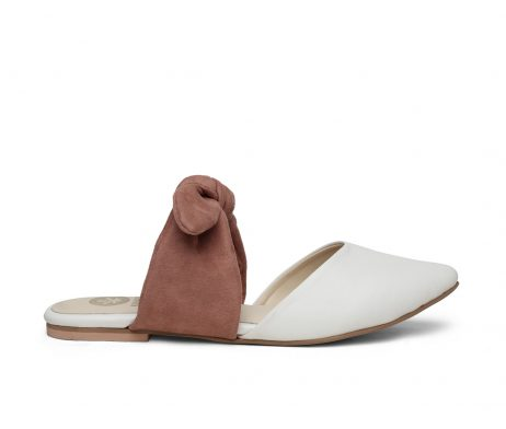 Kanabis pointed flats white pink bow